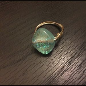 Jewelry - Sparkly light blue ring.